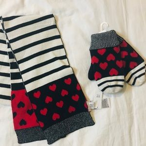 NWT Baby Gap scarf (one size) and mittens set (S)